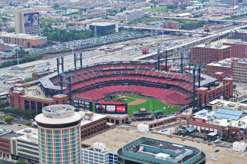 El estadio Busch desde el Arco