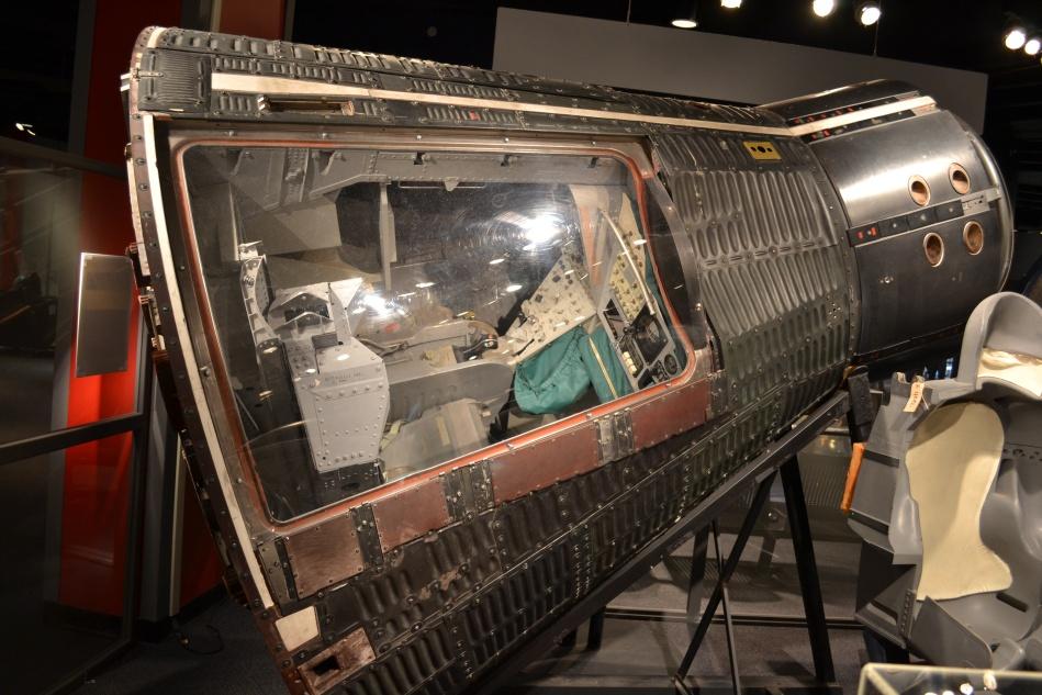 Esta es la cápsula de una nave espacial donde el astronauta regresa a la tierra