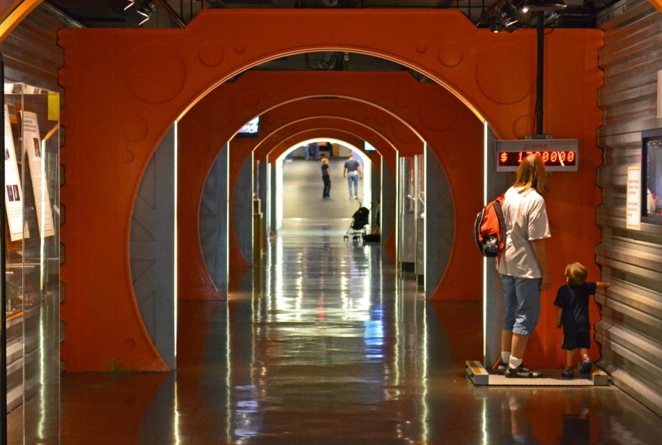 Cruzando del Planetario al Museo de Ciencias