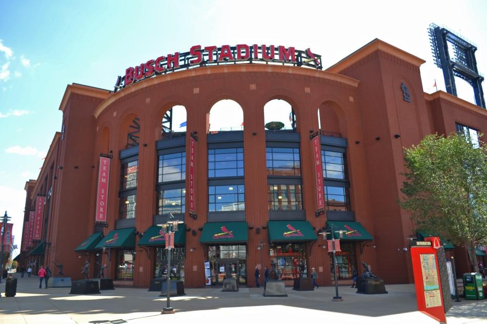 La parte frontal del Estadio Busch
