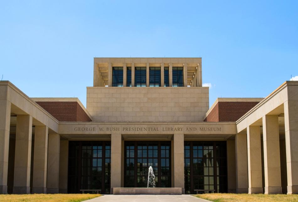 Fachada de la Biblioteca y Museo George W Bush