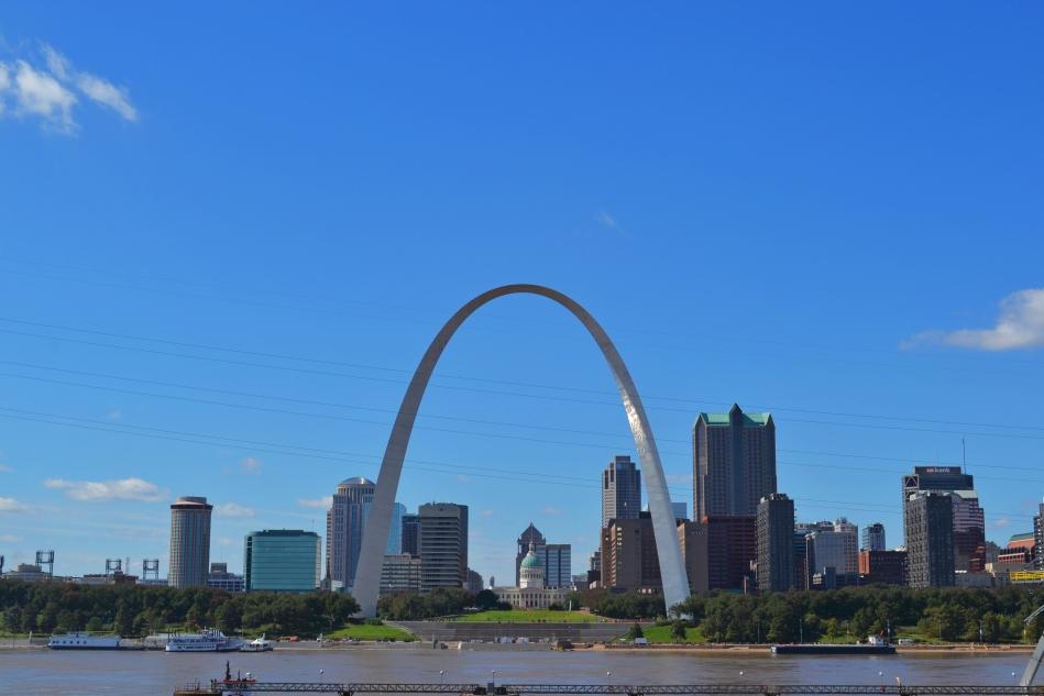 Así se ve el centro de St Louis desde Illinois.