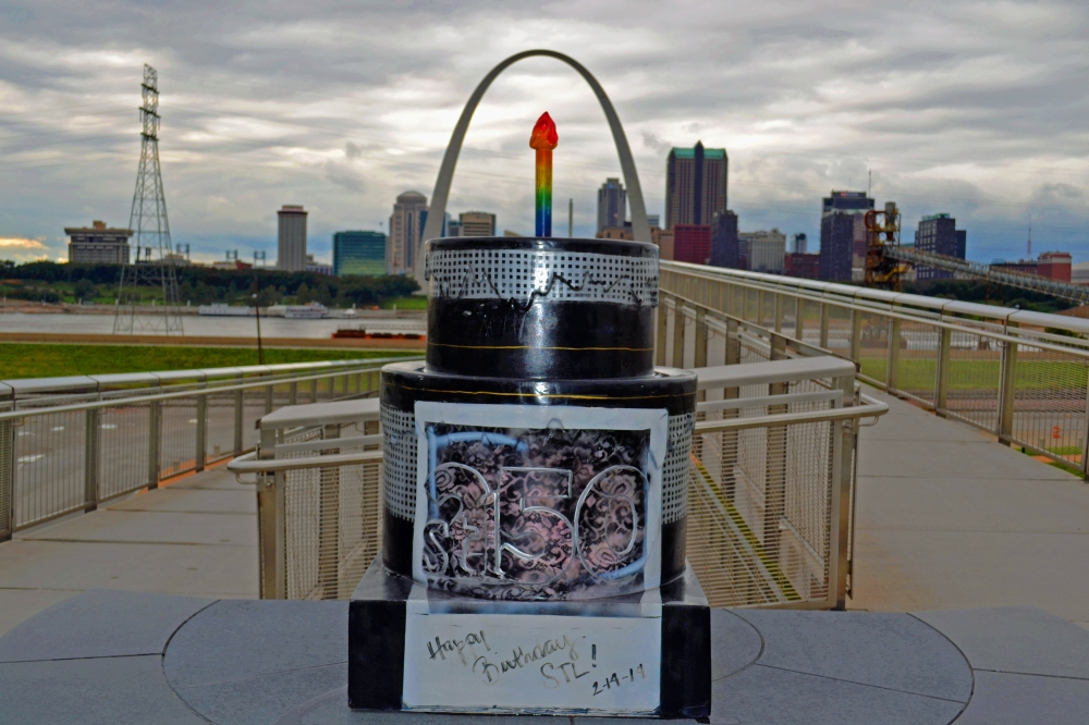 El Bizcocho y St Louis desde el Malcolm Martin Memorial Park
