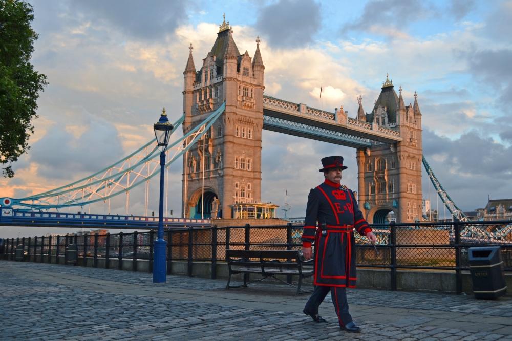 El Tower Bridge durante el atardecer